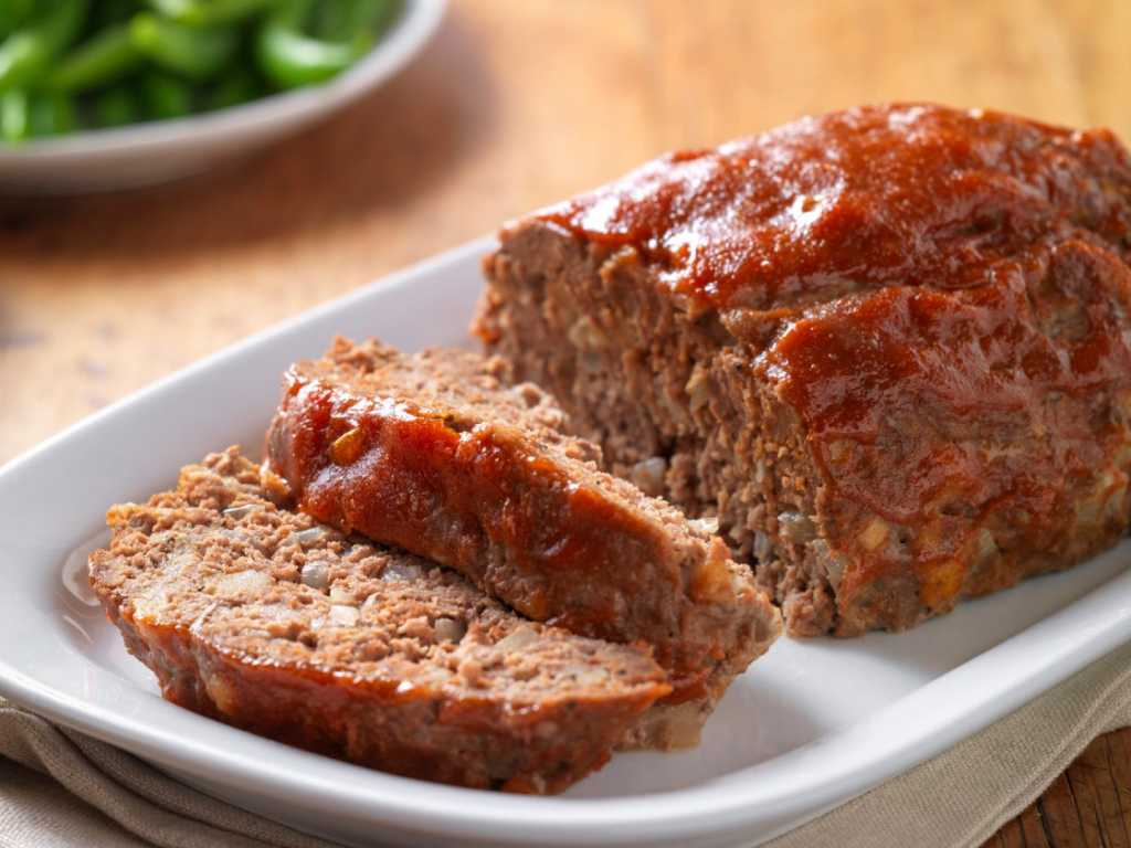 Classic Beef Meatloaf – DelicioUS